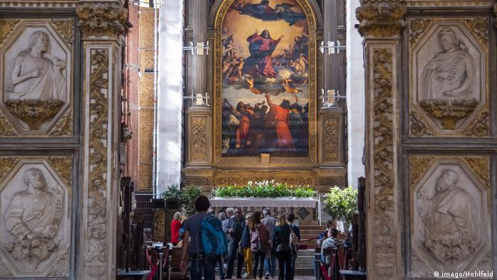 Titian's altarpiece in Venice's Frari church (imago/Hohlfeld)