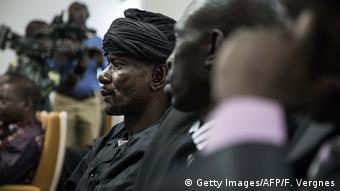 Zentralafrikanische Republik Präsident und Rebellen unterzeichnen Friedensabkommen in Bangui   Sidiki Abbas