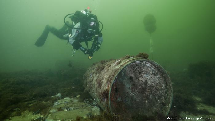 Munição das guerras mundiais no fundo da Kolberger Heide, no litoral de Kiel