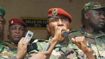 Moussa Daddis Camara, selbsternannter Präsident Gineas bei einer Kundgebung (Foto: dpa)