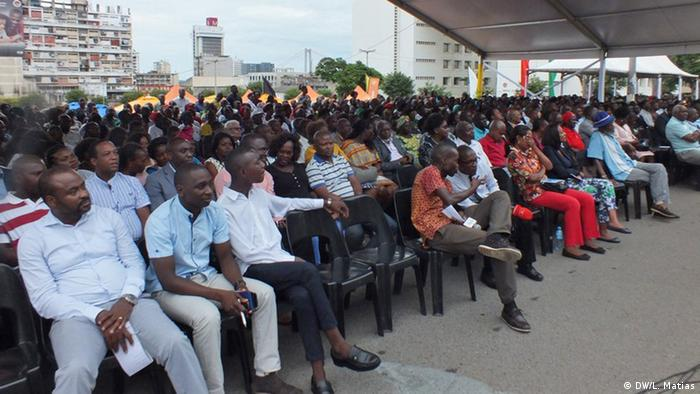 Mosambik Maputo Zeremonie Neuer Bürgermeister Eneas Comiche (DW/L. Matias)