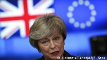 dpatopbilder - 07.02.2019, Belgien, Brüssel: Theresa May, Premierministerin von Großbritannien, spricht nach ihrem Treffen mit EU-Ratspräsident Tusk. Foto: Francisco Seco/AP/dpa +++ dpa-Bildfunk +++ |