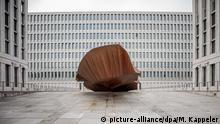 """Bildergalerie BND Zentrale Umzug von Pullach nach Berlin Monolith """"Das Ding"""""""