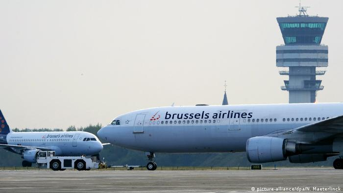 Brussels Airlines planes at Brussels Airport in Zaventem (picture-alliance/dpa/N. Maeterlinck)