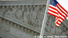 USA Washington Supreme Court mit Flagge