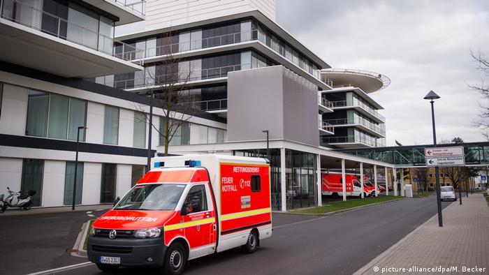 Deutschland Universitätsklinik Düsseldorf (picture-alliance/dpa/M. Becker)