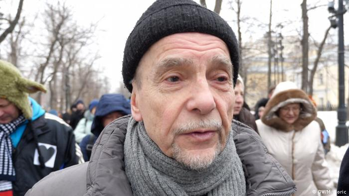 Правозащитник, глава движения За права человека Лев Пономарев