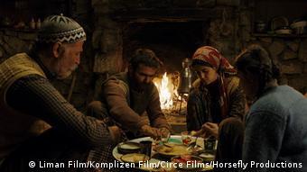 Emin Alper'in üçüncü metrajlı filmi Kız Kardeşler Berlinale'de Altın Ayı için yarışıyor