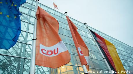 Σταθερό προβάδισμα των CDU/CSU