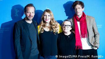 Peter Sarsgaard, Andrea Chalupa, Agnieszka Holland und James Norton stand for a press photo in Berlin