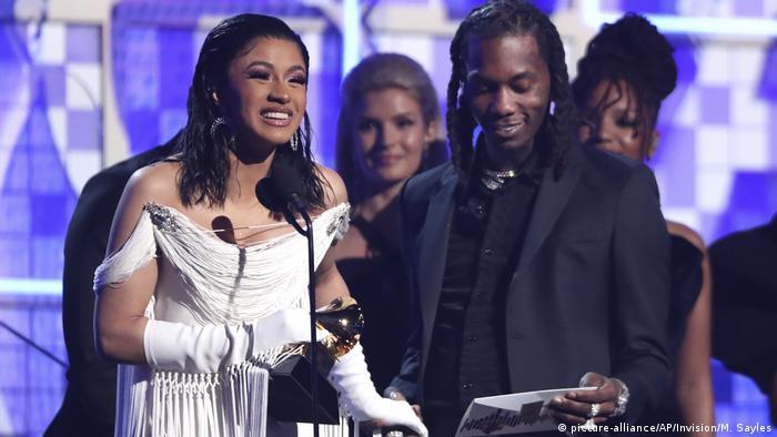 Cardi B menerima penghargan Grammy Awards ke-61 di Staples Center, Los Angeles, AS (10/2/2019)