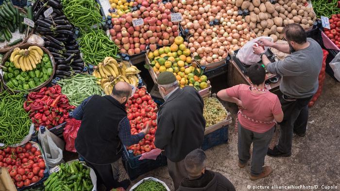 Türkei Lebensmittel - Alltag in Konya (picture alliance/NurPhoto/D. Cupolo)