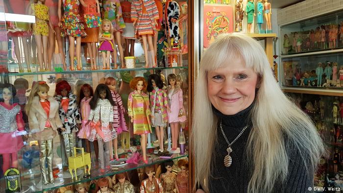 Bettina Dorfmann Barbie-Puppen-Sammlerin aus Düsseldorf