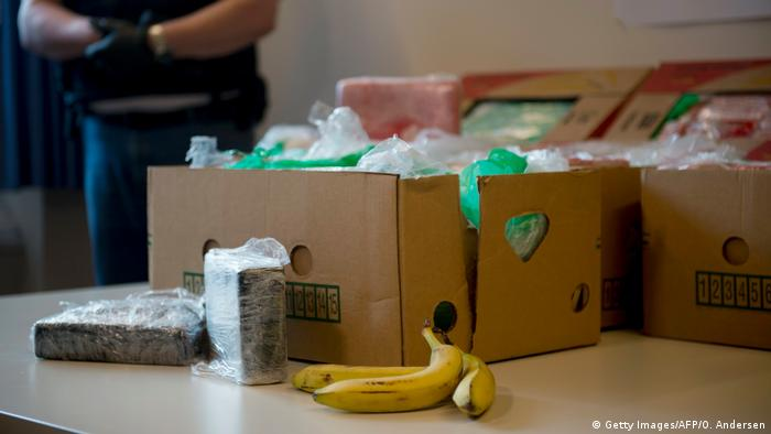 Cocaine from boxes of bananas (Getty Images/AFP/O. Andersen)