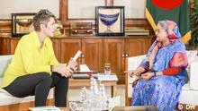 Bangladesch - DW Chefredakteurin Ines Pohl, Leiterin DW-Asien Debarati Guha treffen Premierminister Sheikh Hasina in Dhaka