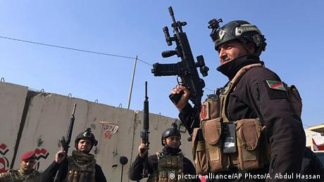Irak Soldaten in Bagdad (picture-alliance/AP Photo/A. Abdul Hassan)