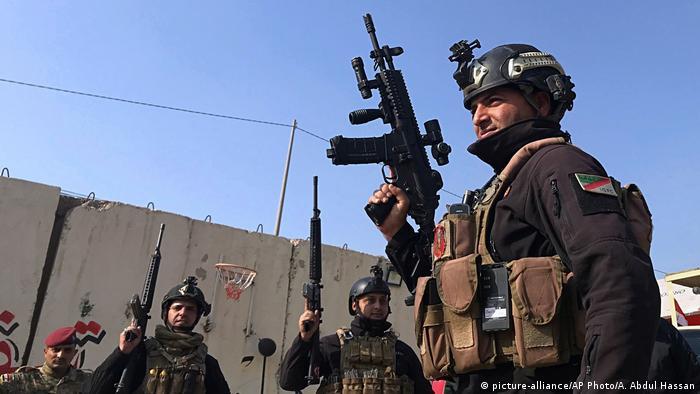 Irak Soldaten in Bagdad (picture-alliance/AP Photo/A. Abdul Hassan)