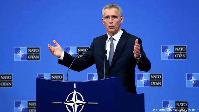 Йенс Столтенберг на встрече глав МИД стран НАТО в Брюсселе, 12 февраля 2019 года