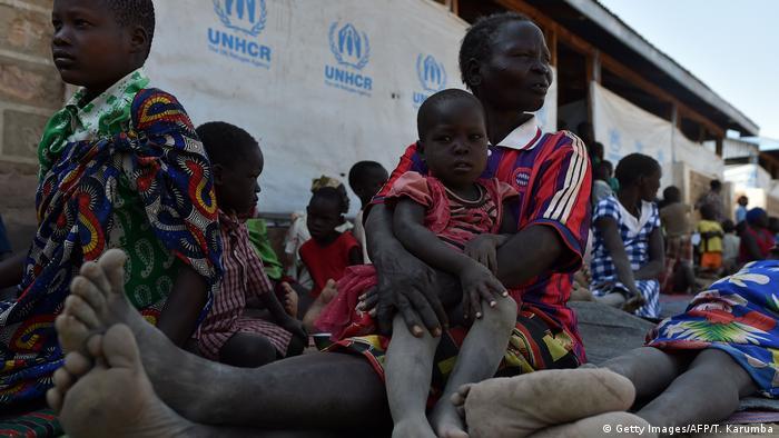 Relatório anual do Escritório das Nações Unidas para a Coordenação de Assuntos Humanitários (Ocha) alertou que 235 milhões necessitarão de auxílio em 2021, após o aumento dos pedidos de ajuda em 2020, em razão da covid-19. Aumento não se deve apenas ao coronavírus, mas também a vários desafios globais, como conflitos, migração forçada e os impactos do aquecimento global. (01/12)