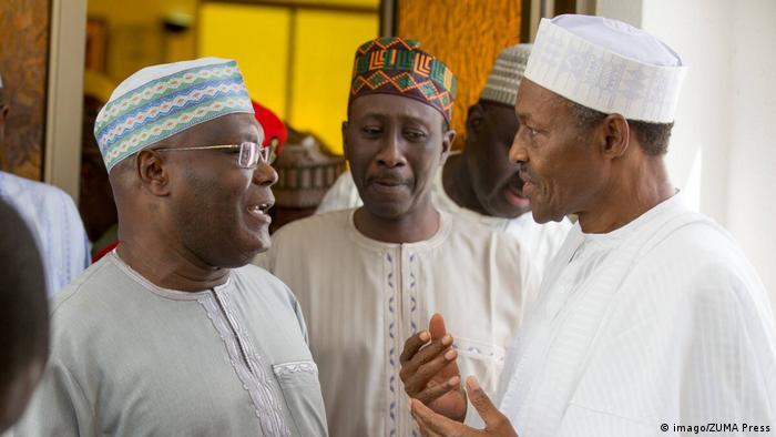 Wahl in Nigeria: Präsident Buhari mit dem ehemaligen Vizepräsidenten Alhaji Atiku Abubakar und dem nationalen Sicherheitsberater Maj. General Babagana Monguno