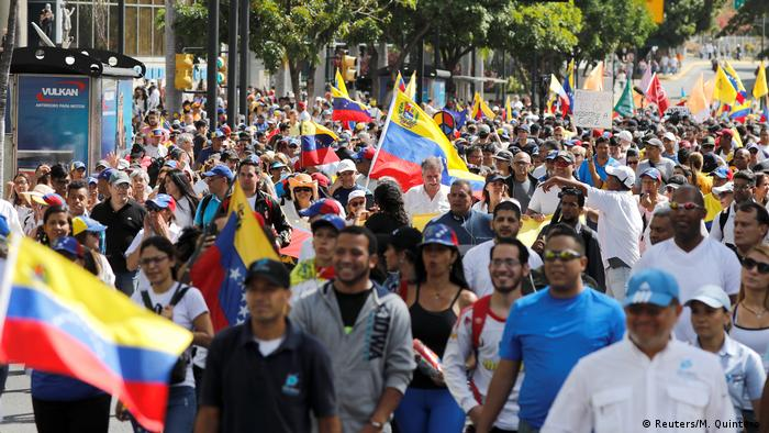 Venezuela Protest & Demonstration gegen Nicolas Maduro in Caracas (Reuters/M. Quintero )