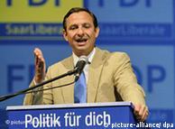 Landesparteitag der saarländischen FDP  Jorgo Chatzimarkakis (MdEP), Generalsekretär der FDP-Saar spricht am Sonntag (23.08.2009) beim Landesparteitag der FDP-Saar in Illingen (Saar). In seiner Rede schwört Chatzimarkakis die Parteimitglieder eine Woche vor der Landtagswahl im Saarland auf den Endspurt des Wahlkampfs ein. Foto: Becker&Bredel dpa   +++(c) dpa - Report+++