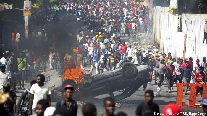Haiti, Port Au Prince: Ausschreitungen und Proteste (picture-alliance/AP/D. Nalio Chery)