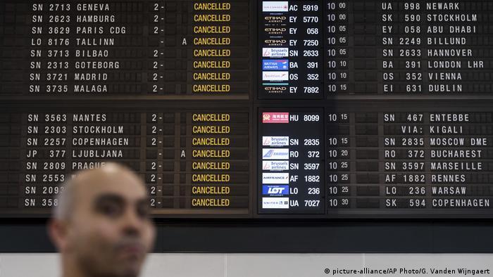 Flight information screen in Brussels (picture-alliance/AP Photo/G. Vanden Wijngaert)