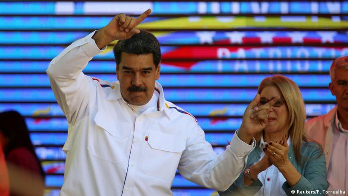 Venezuela Präsident Nicolas Maduro mit seiner Frau Cilia Flores bei einer Veranstalltung in Caracas