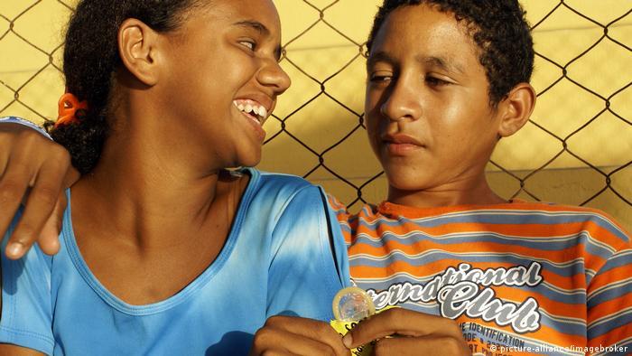 Safer Sex Jugendliche Brasilien (picture-alliance/imagebroker)