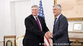 Kosovo Treffen von Hashim Thaci mit dem US- Botschafter Philip Kosnet (Office of the president of Kosovo )