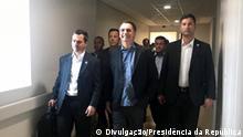 Titel: Brasilien Jair Bolsonaro Beschreibung: Der brasilianische Präsident Jair Bolsonaro verlässt das Krankenhaus nach einer Operation. Copyright: Divulgação/Presidência da República