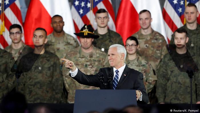 Polen USA l Neue US-Raketen-Systeme für Polen l Mike Pence zu Besuch in Polen (Reuters/K. Pempel)