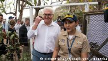 German President Frank-Walter Steinmeier and Stephanie Pauwels, director of the Corales del Rosario National Park in Colombia (picture-alliance/dpa/B. von Jutrczenka)