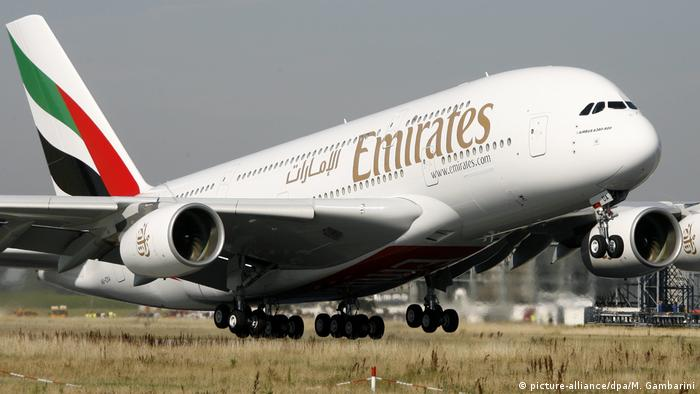Airbus A380 der Fluggesellschaft Emirates (picture-alliance/dpa/M. Gambarini)