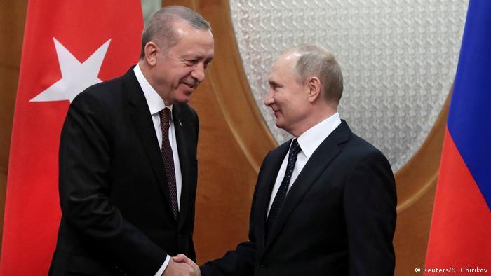 Der türkische Präsident Recep Tayyip Erdogan (l.) mit Russlands Staatschef Wladimir Putin (Archivbild)