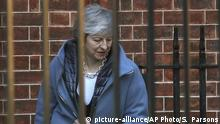 Britain's Prime Minister Theresa May leaves 10 Downing Street, London, for the House of Commons ahead of a Brexit vote, in London, Thursday, Feb. 14, 2019. May was scrambling Thursday to avoid another defeat on her Brexit plans amid opposition from members of her own party who claim she is moving in the wrong direction in efforts to overcome the impasse blocking a deal. (Steve Parsons/PA via AP) |