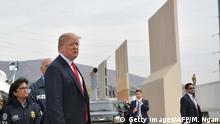 USA - Trump besichtigt Mauer-Prototypen