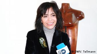 Interview mit der Gewinnerin des DW Freedom of Speech Award 2019: Anabel Hernández (DW/V. Tellmann)