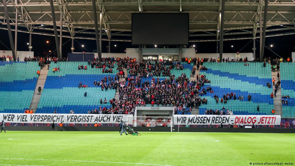 Rb Leipzig Face Fundamental Dilemma As Fans Demand Dialogue Sports German Football And Major International Sports News Dw 15 02 2019