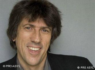 Pro Asyl-Geschäftsführer Günter Burkhardt (Quelle: http://www.proasyl.de/de/ueber-uns/stiftung/presse/)