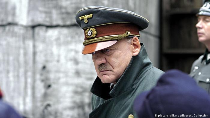 Bruno Ganz as Hitler (picture-alliance/Everett Collection)