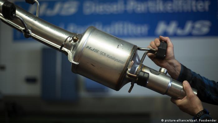 Menden - SCR-Katalysator bei Firma HJS zur Nachrüstung für Diesel