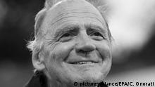 10.09.2015 epa05212162 (FILE) The file picture dated 10 September 2015 shows Swiss actor Bruno Ganz arriving for the premiere of 'Remember' at the 72nd annual Venice International Film Festival, in Venice, Italy. Bruno Ganz turns 75 on 22 March 2016. EPA/CLAUDIO ONORATI +++(c) dpa - Bildfunk+++ |