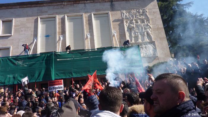 Albanien Protesten der Opposition in Tirana (DW/A. Ruci)