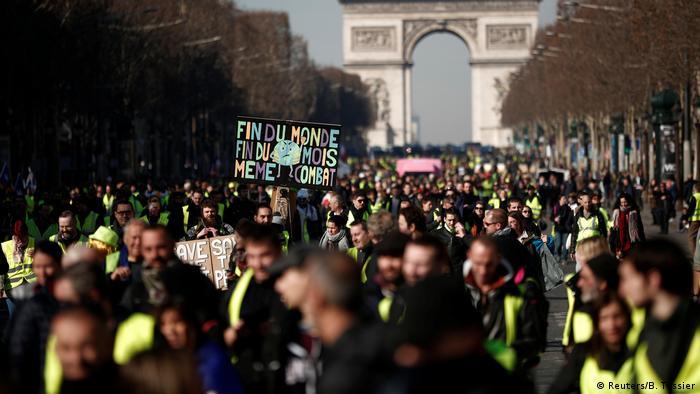 """El fin de semana anterior, el filósofo judío Alain Finkielkraut había sido insultado al margen de una manifestación de los """"chalecos amarillos."""