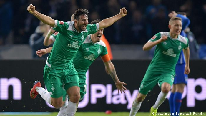 Claudio Pizarro goal celebration (Getty Images/Bongarts/S. Franklin)