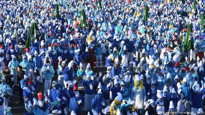 Smurfs gathered in Lauchringen had to pose for a group picture