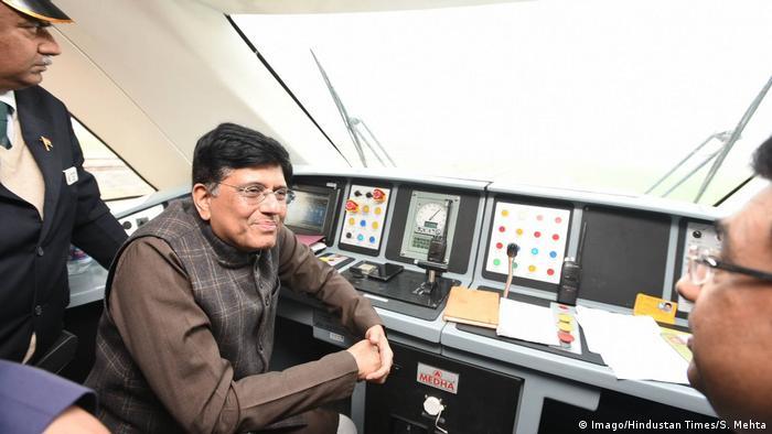 Indien New Delhi - Vande Bharat Express (Imago/Hindustan Times/S. Mehta)