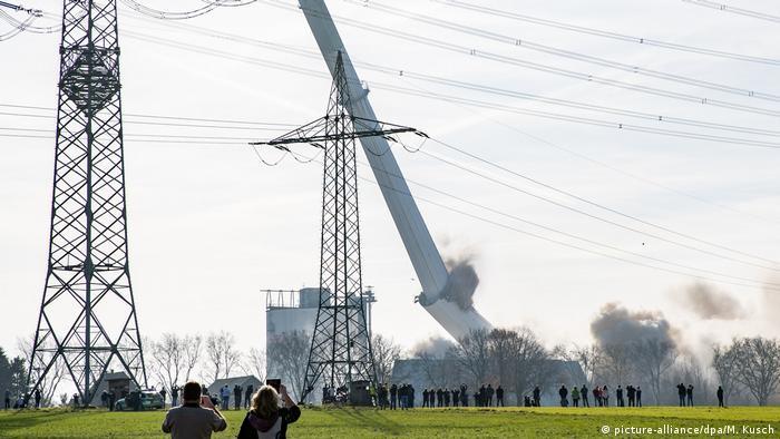 Gustav Knepper power plant being blown up